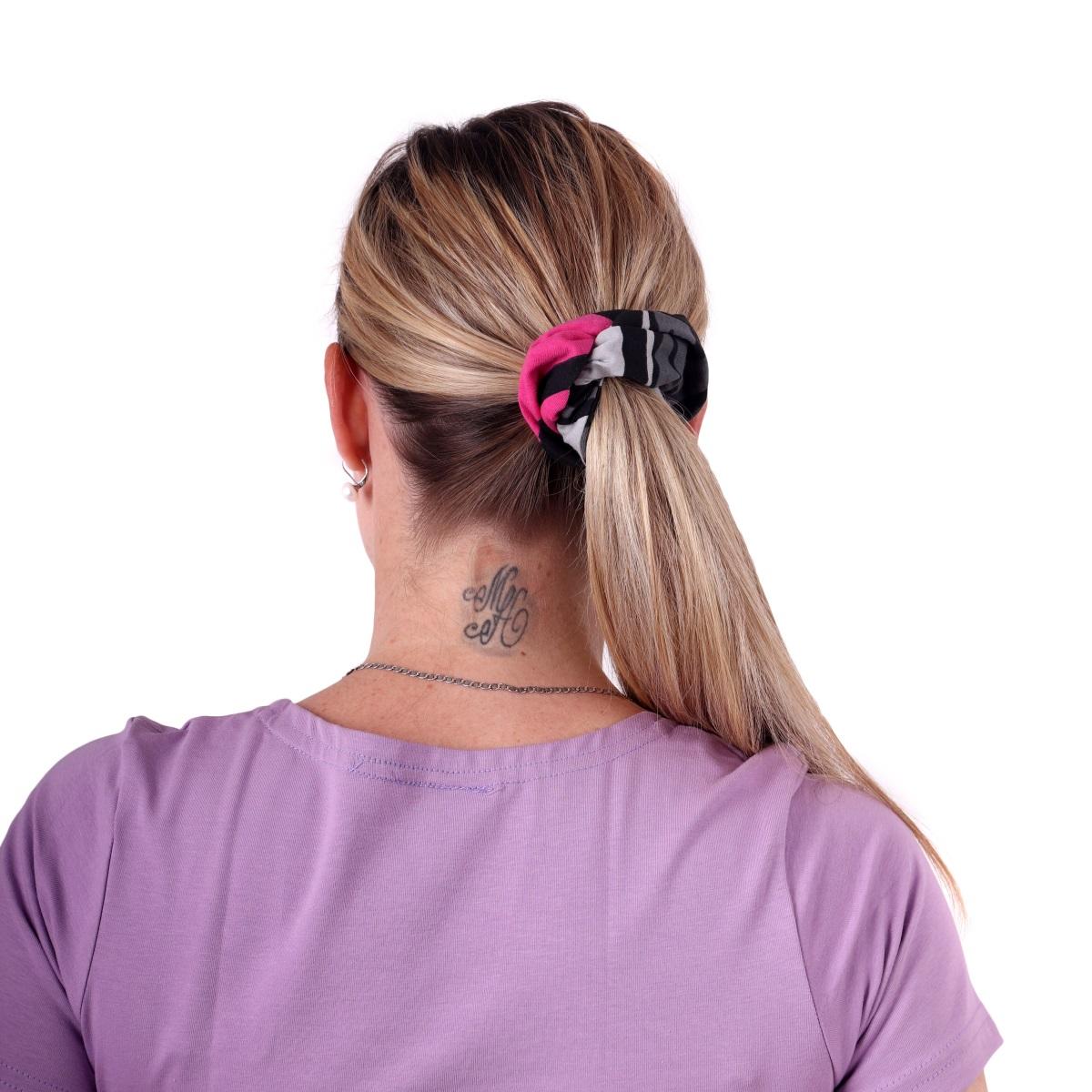 Látková gumička do vlasů, velká, vzorovaná černo-šedo-růžová