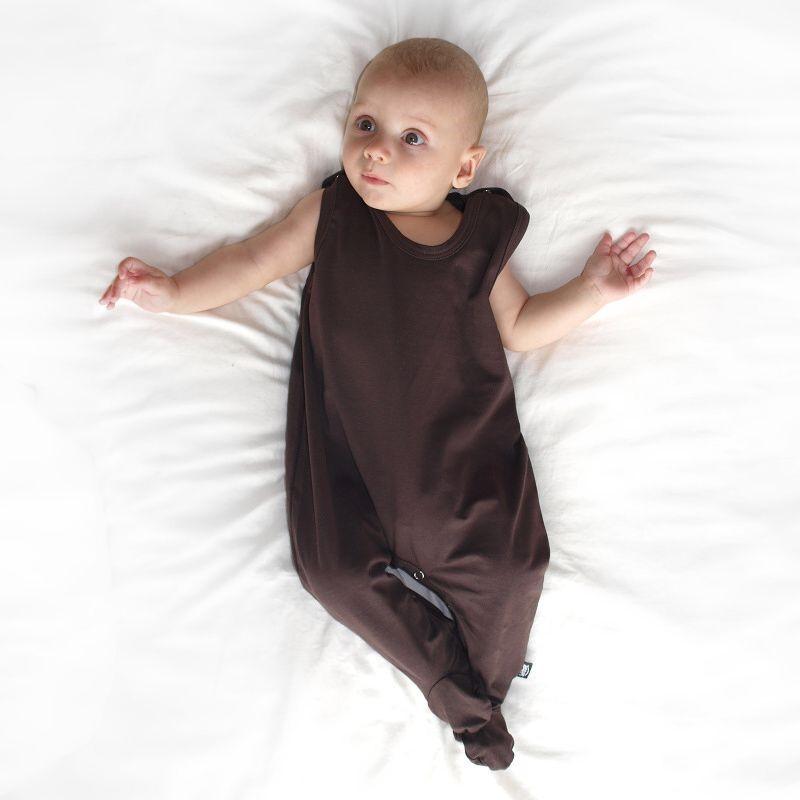 Strampler für Babys, schokoladenbraun
