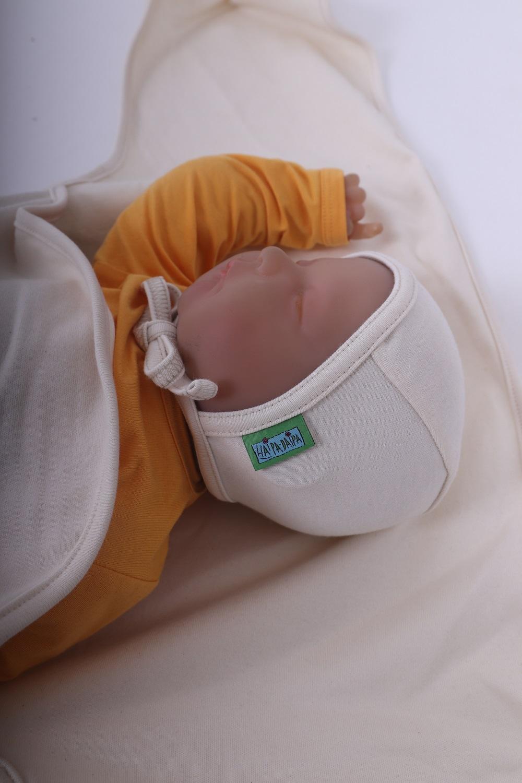 Novorozenecká čepice, béžová